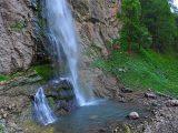 ispod-vodopada-skakavac-perucica